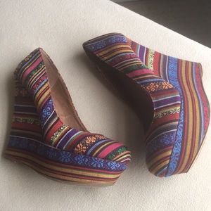 Steve Madden Shoes - Steve Madden multicolor wedge high heels sz 7.5
